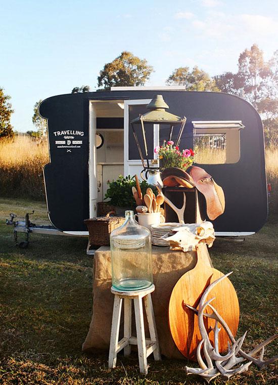 traveling caravan, travelling caravan, vintage shop, vintage wares