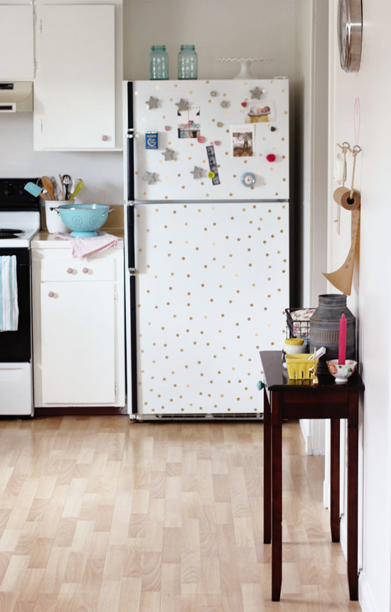 Kitchen with a polka dot fridge | At Home in Love