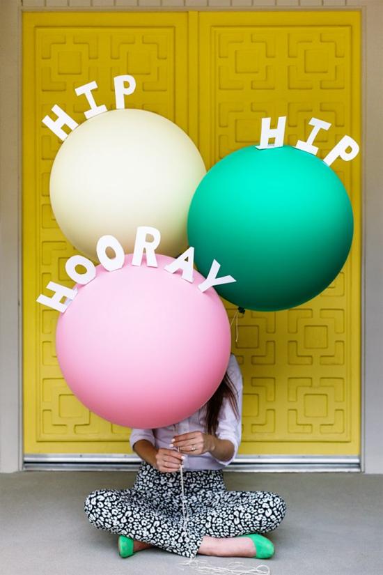 Hip hip hooray! DIY pop-up message balloons
