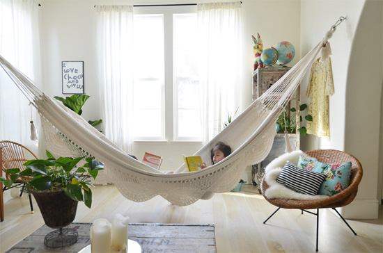 Hanging out indoor hammocks at home in love - Indoor hammock hanging ideas ...