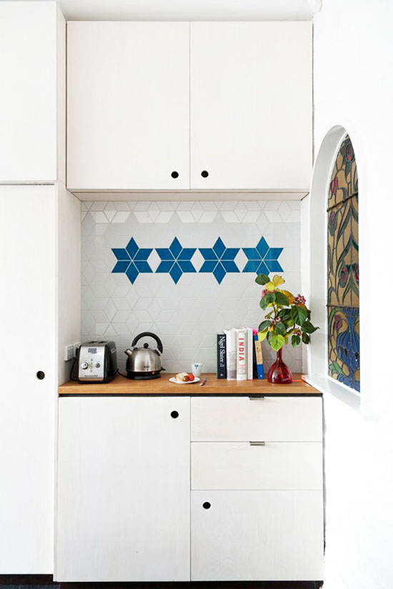 Gorgeous blue and white kitchen