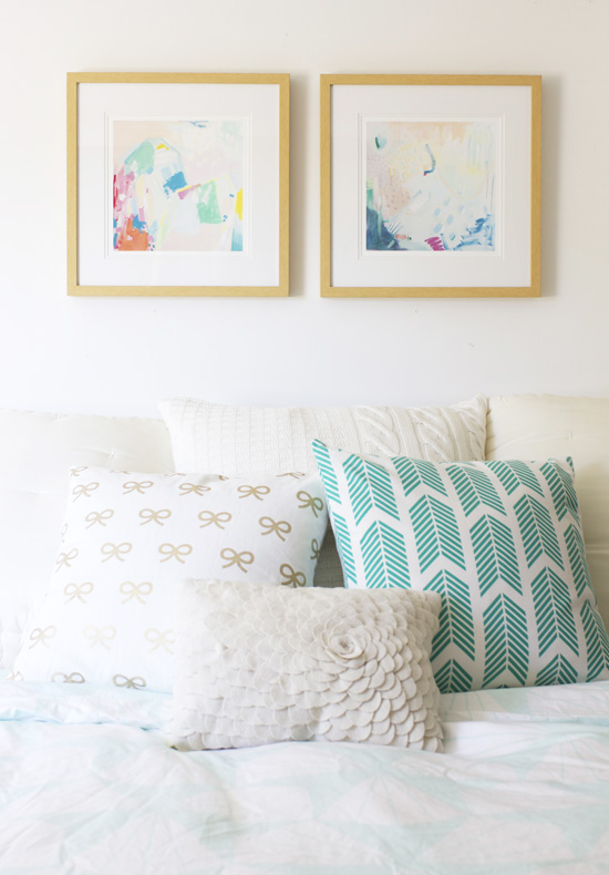 Charming Colorful Art Prints In The Bedroom