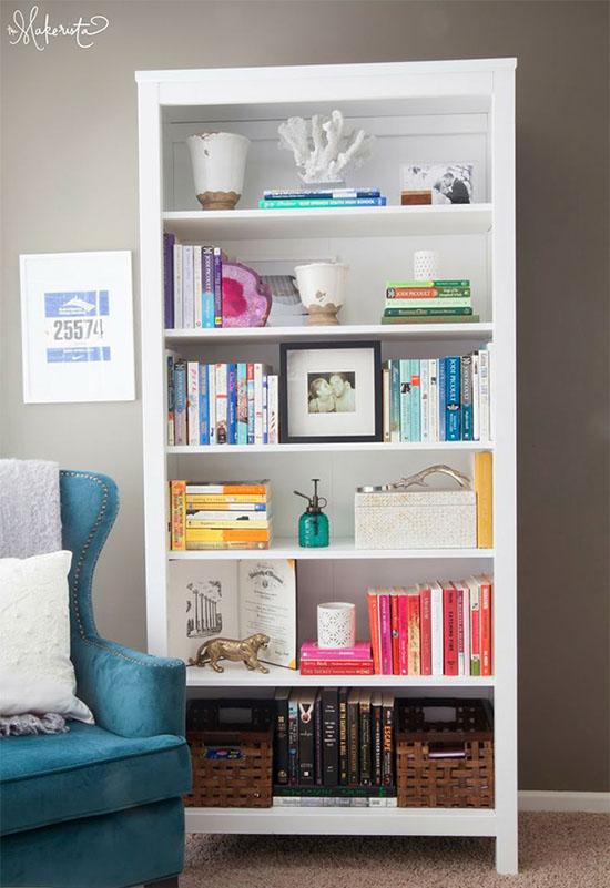 Tips for color-coded bookshelves