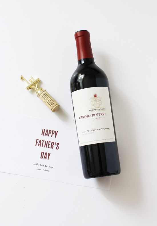 DIY Father's Day wine stoppers and printable label