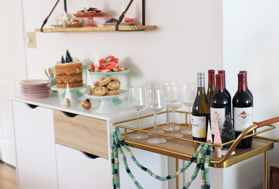 friendsmas-bar-cart