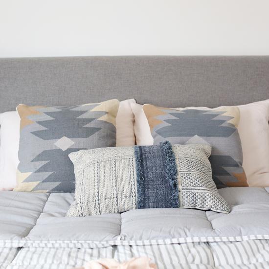 Pillow layering