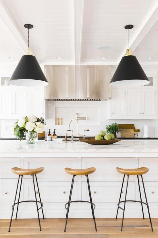 Gorgeous white kitchen with island