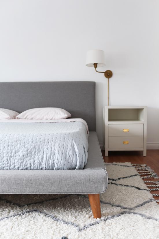 Simple & modern platform bed