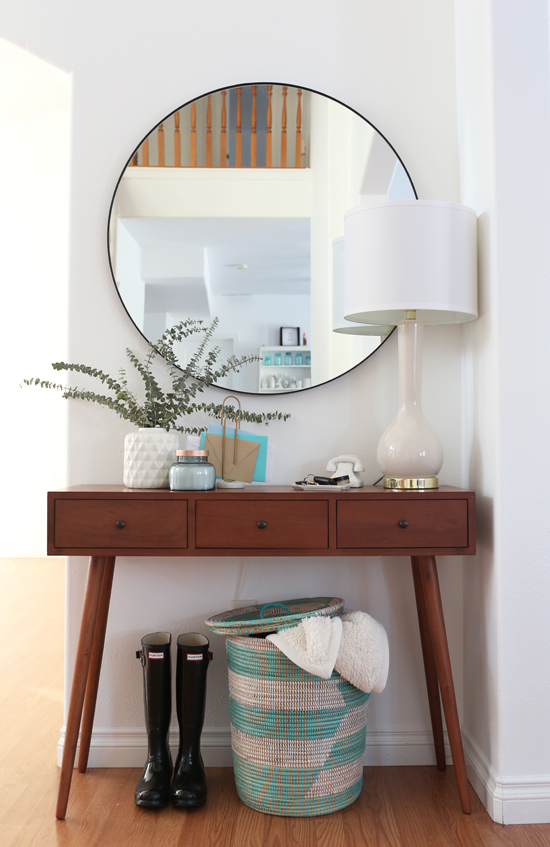 Entryway table with modern round mirror